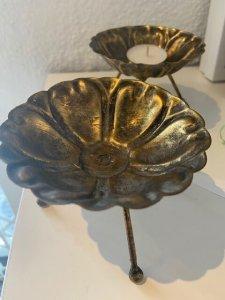 Svícen, kov s patinou, v. 8 cm, 240,-