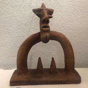 """""""Dáma v klobouku"""", keramika, 14.000 Kč"""